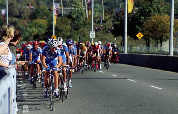 Dario Frigo (ITA) followed by Mario Scirea (ITA) and Francesco Casagrande (ITA)   - 14:33 EDT