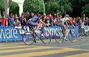Floyd Landis (US Postal) follows Massimo Giunti (Acqua e Sapone) - 11:03 PDT