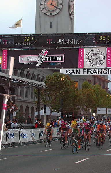 Start of women's race after first parade lap - 7:06 AM