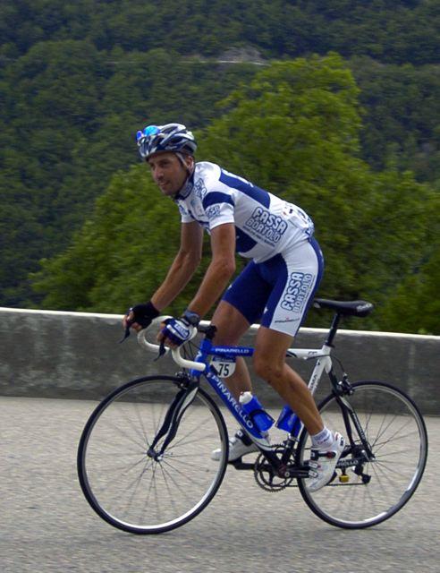 Juan Antonio Flecha (Fassa Bortolo) looks ahead on way to Courchevel.