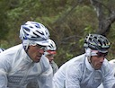Matteo Tosatto (Quick Step) and Mario Cipollini (Rock Racing) are not enjoying the rain duing stage 4